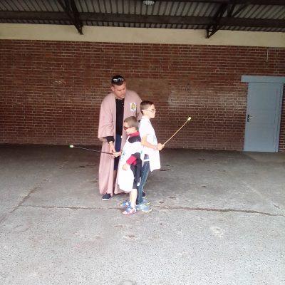 Kermesse 2018 école H Malot Duel de baguettes magiques