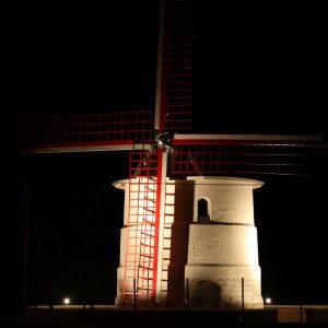 Le moulin Basile éclairé